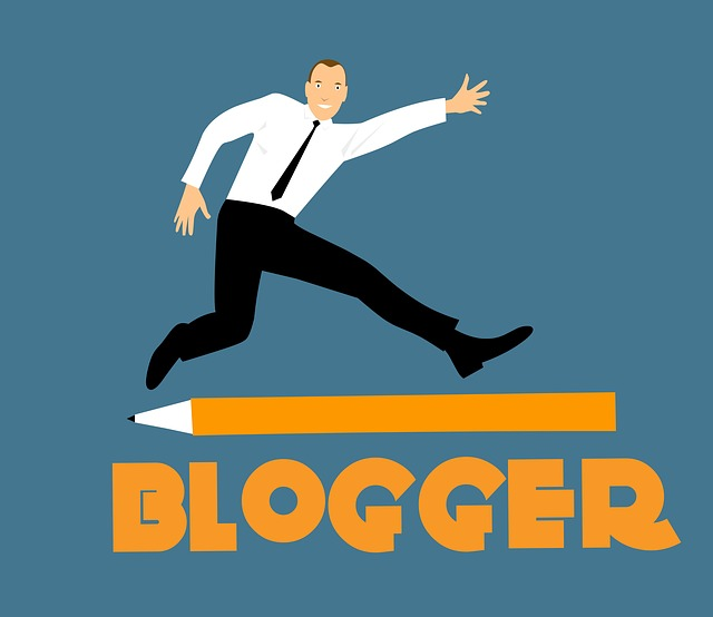 Blogger means in hindi