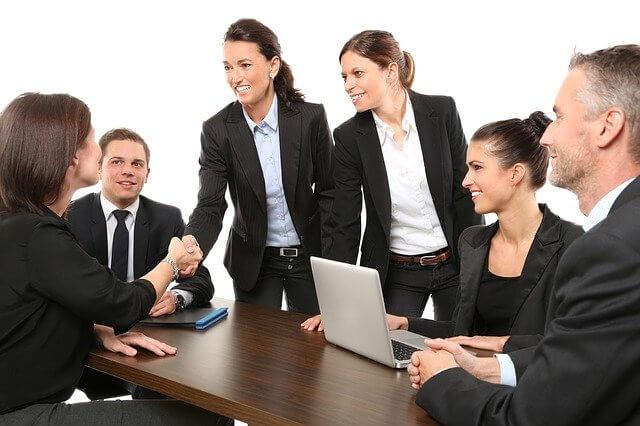 E-Commerce क्या है? इसके फायदे और प्रकार विस्तार से समझे